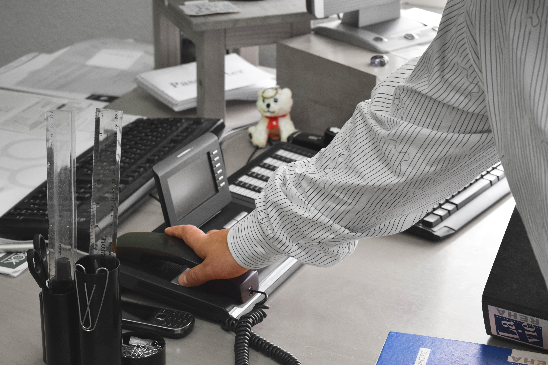 Foto eines Arbeitsplatzes im Büro